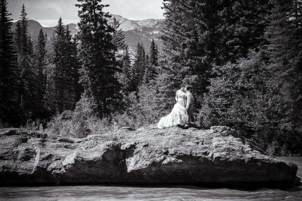 bride-groom-kananaskis-river-mountains-widowmaker.jpg