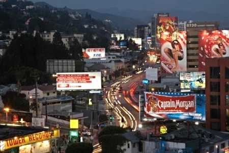 West_Hollywood_CA-The_Sunset_Strip_at_Night.jpg