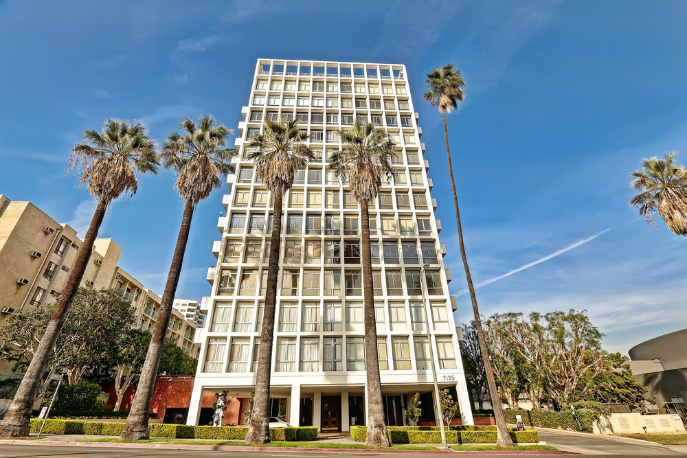 7135 Hollywood Blvd. #506  $501,000 | SOLD