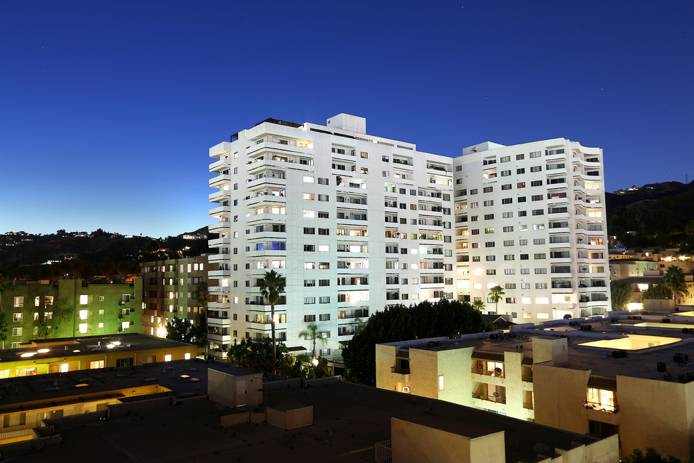 7250 Franklin Ave. #807  $610,000 | SOLD