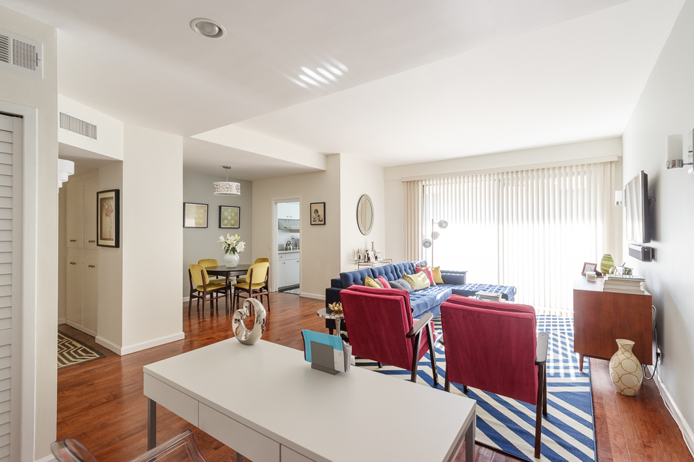 7250 Franklin Ave. #612  $499,000 | SOLD