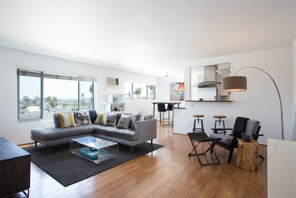 960 Larrabee St. #322  $555,000 | JUST SOLD