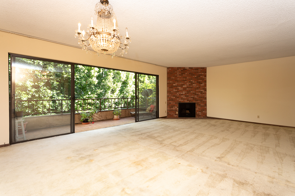 1124 N Kings Rd. #201  $1,200,000 | IN ESCROW |  1124Kings.com