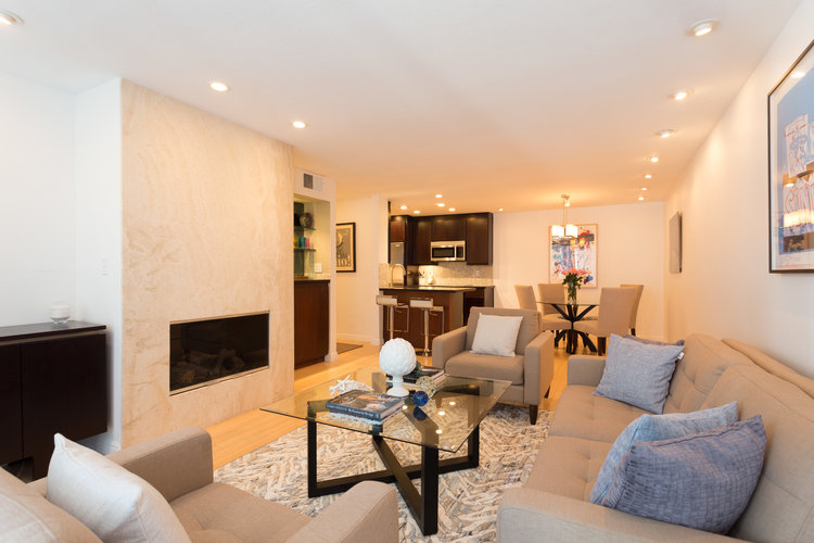 906 N. Doheny Dr. #214  $700,000 | SOLD
