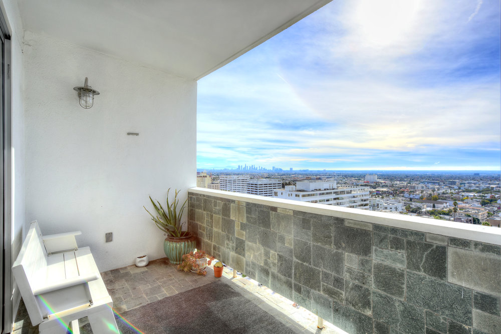 7250 Franklin Ave. #PH1404  $5250/Month Penthouse Lease | JUST LISTED