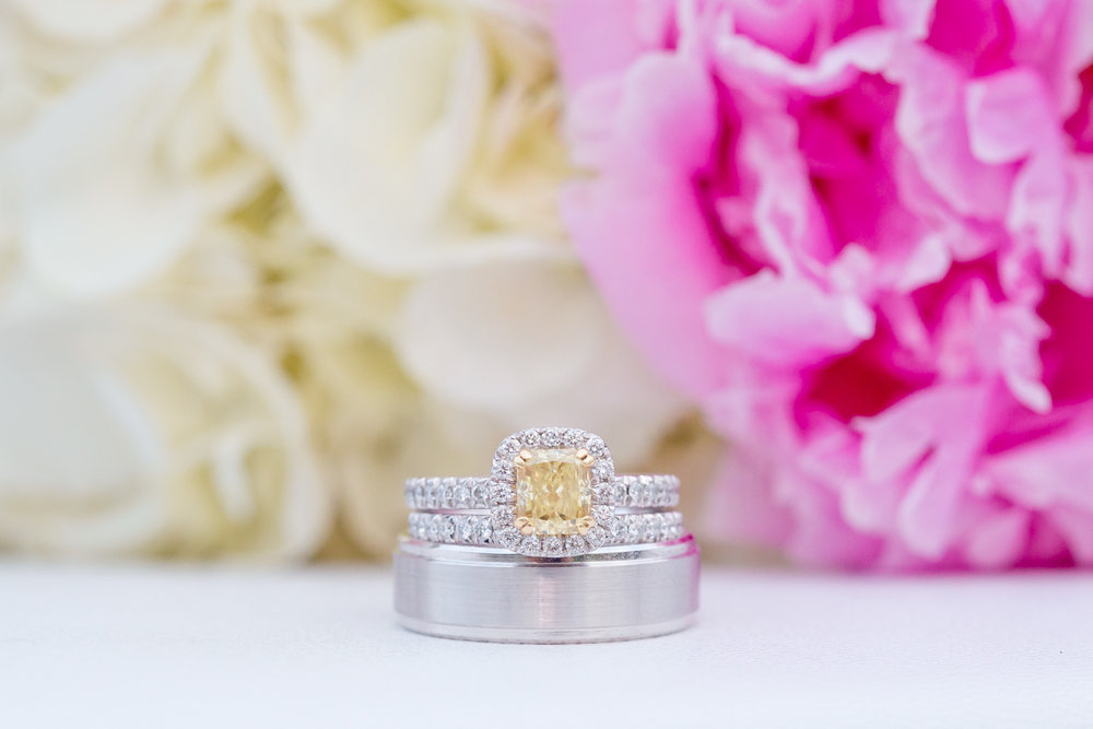 Oooo this yellow diamond ring...so unique.