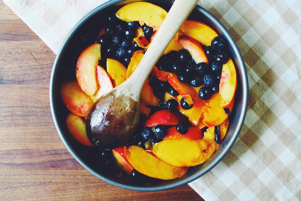 Blueberry%2C%2BNectarine%2B%26%2BBourbon%2BCrisp%2B%3A%3Awww.The-Chefs-Wife.com.jpg