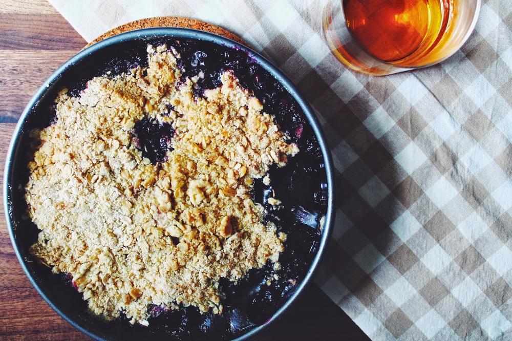 Blueberry%2C%2BNectarine%2B%26%2BBourbon%2BCrisp%3A%3Awww.The-Chefs-Wife.com%2B%2B%2B%2B%2B.jpg