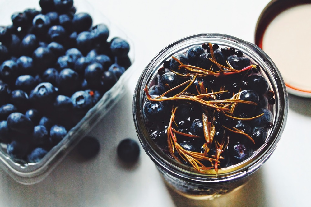 Pickled+Blueberries+w%253A+Rosemary+%253A%253A+www.The-Chefs-Wife.com+++++++.jpg