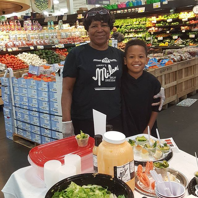 Pearl and Tyner meeting and greeting and Jimmy's Milan Salad Dressing #Freshgrocer #Shoprite  #Progressplaza #Phillyeats #familyheritage
