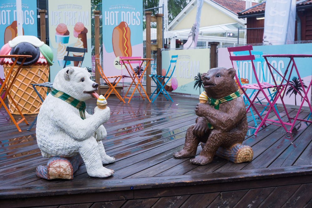 """""""Easygoing Bears"""" in Stockholm"""
