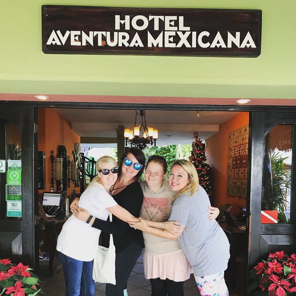 Another shot of my girls. Me, Alex, Lisa & Ashton. There's something about making a hot Mexican hug sandwich that connects you more 😂