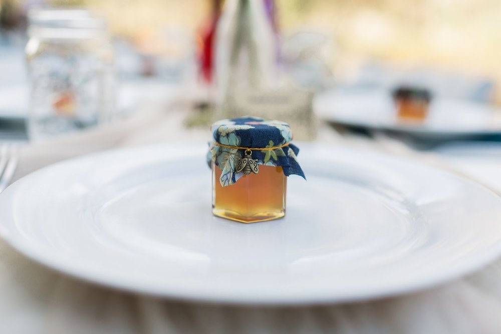 honey jar wedding favor at los angeles wedding