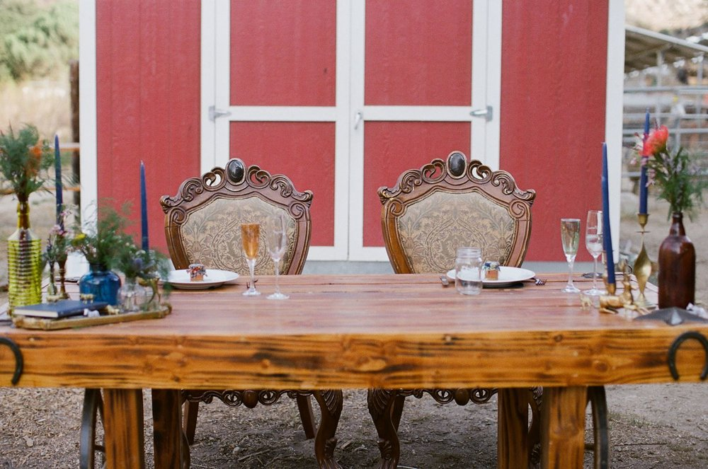 vintage wooden sweetheart table