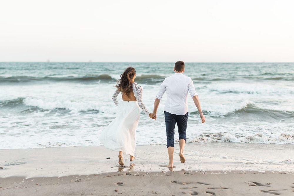 beach engagement photos carpinteria