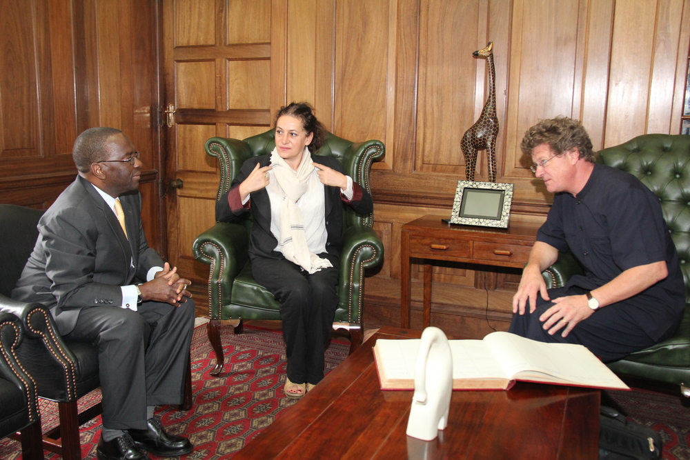 Adam Stapleton meets with the Honourable Chief Justice of Kenya, Dr. Willy Mutunga, to discuss taking forward the Judiciary Transformation Framework