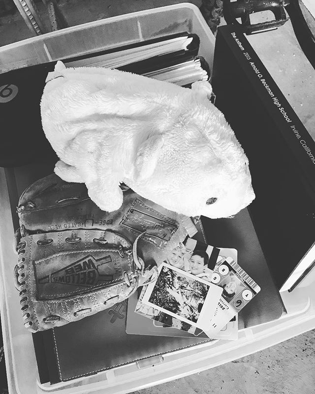 Day 7 #blackandwhitechallenge - breaking the rules ... back home, things he packed (evacuated Monday's Canyon 2 Fire) 🔥 thinking of those that didn't get the chance to grab anything. Here's how you can help visit 👉🏼 https://www.youcaring.com/tubbsfirevictimssantarosacommunity-976726 (7 days, your life, no people, no explanation) I tag @tarawanders to carry on the BW challenge 🖤.