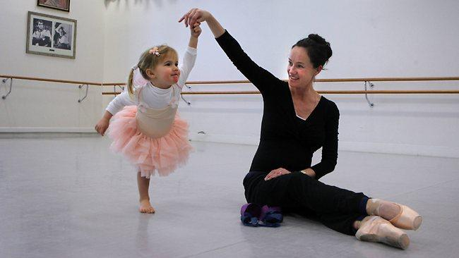 image: lucinda dunn with her daughter claudia