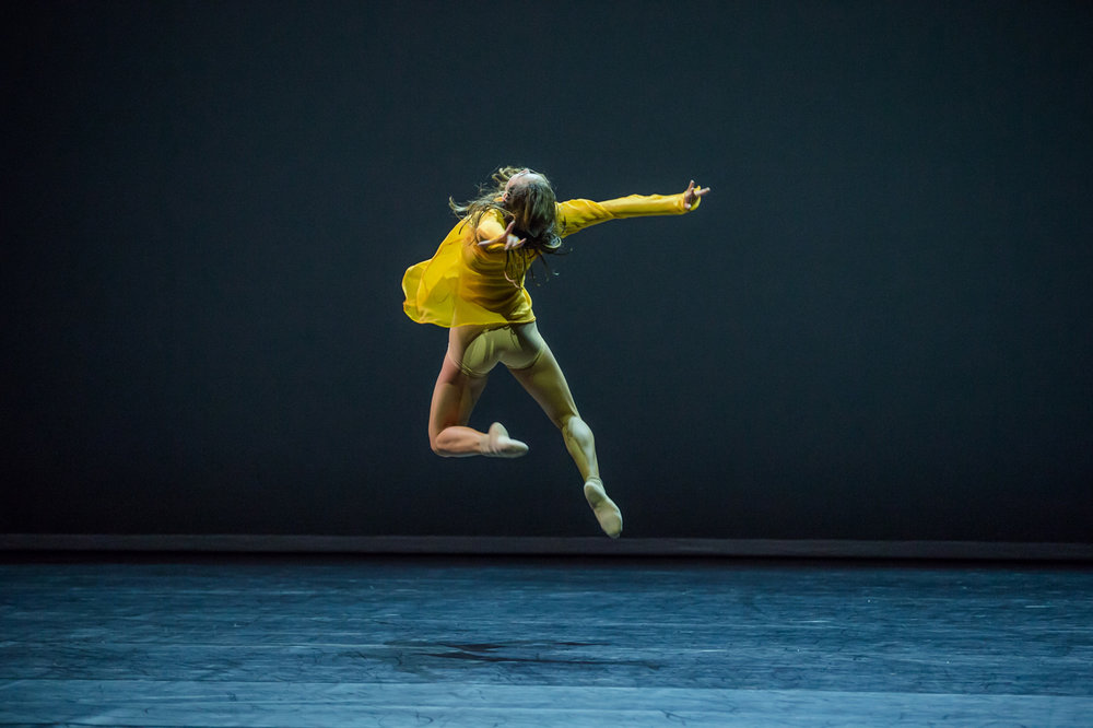 sydney dance company dancer, chloe leong - photo by peter greig