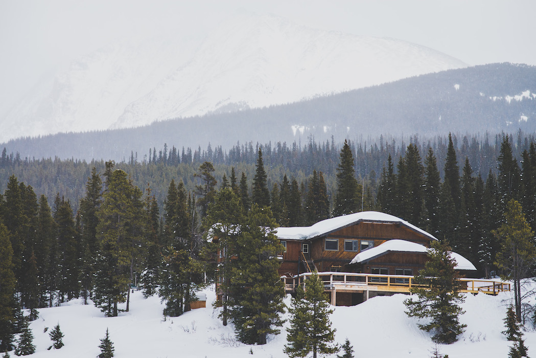 Mount Engadine Snowshoeing - somethingaboutyourlove.com