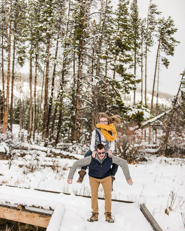 #tbt to exploring the snowy mountains with these two. Excited to be back in CO soon, and permanently! I'm apartment hunting so if you know of any great deals send me a DM. . . . #momentsovermountains #anotherwildstory #naturallight #colorado #igcolorado #coloradophotographer #snow #wanderingphotographers #winter #nationalpark #rmnp #rockymountainnationalpark #estespark