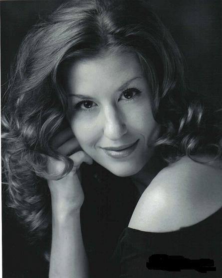 Cindy Moeller