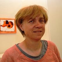 Linda Hornisberger  Hundebesitzerin, Tierärztin und Verhaltensmedizinierin, hat 1996 das Projekt Prevent a Bite mit John Oncle von Grossbritannien in die Schweiz geholt, Expertin an Hundeprüfungen von Prevent a Bite