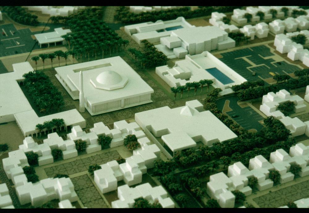 suadi model big mosque and centre.jpg