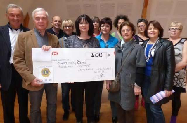 Le Lions-Club 78 de Châteauroux a remis un chèque à l'association Libellule
