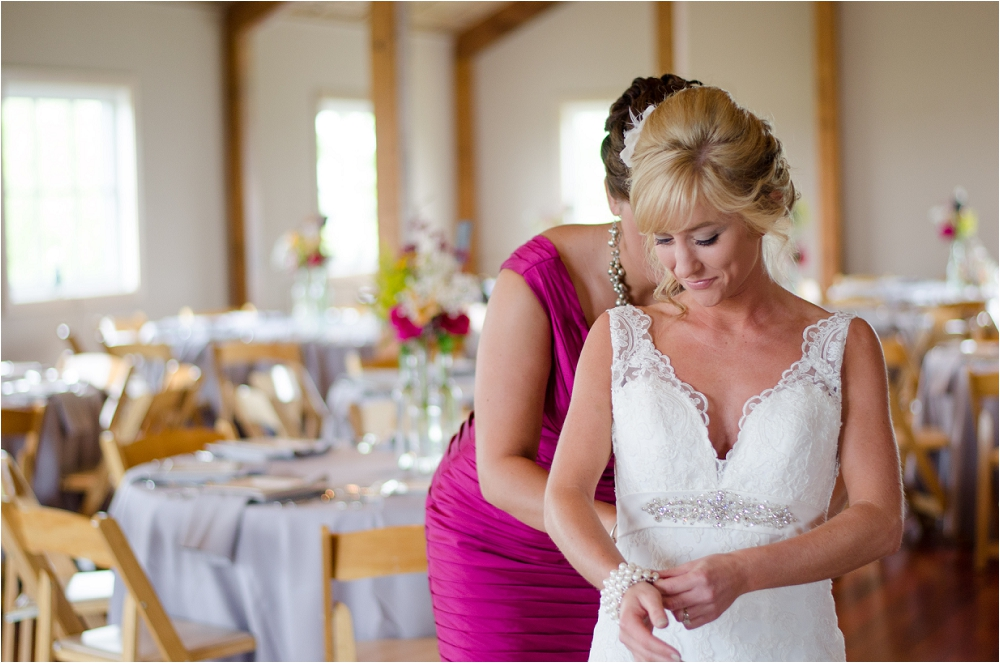 Virginia_Vineyard_Wedding-13