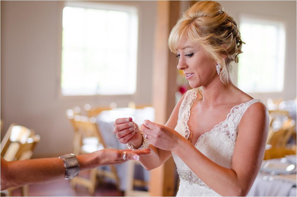 Virginia_Vineyard_Wedding-19