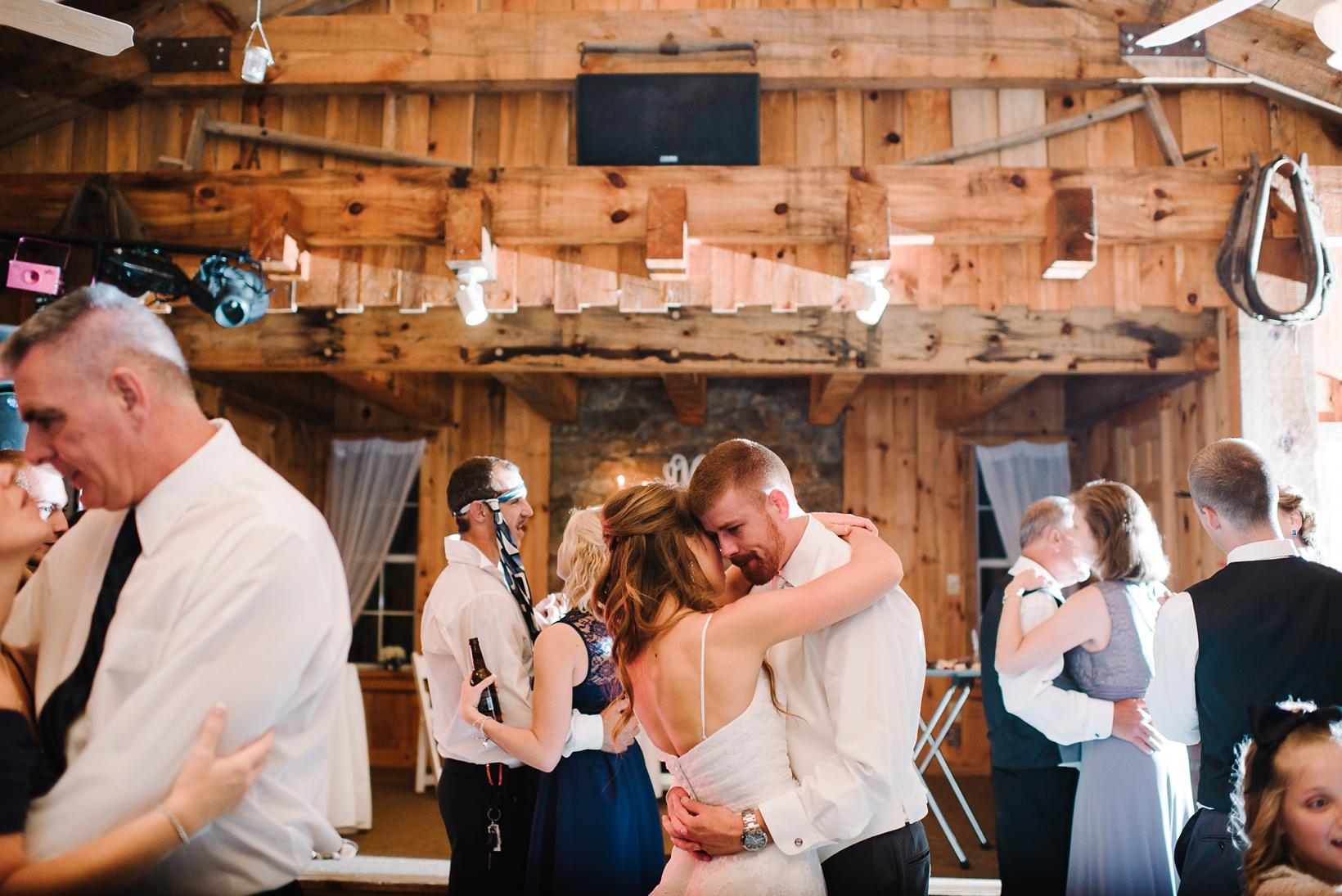 Charlottesville Wedding Photographer Lydia Mountain-219