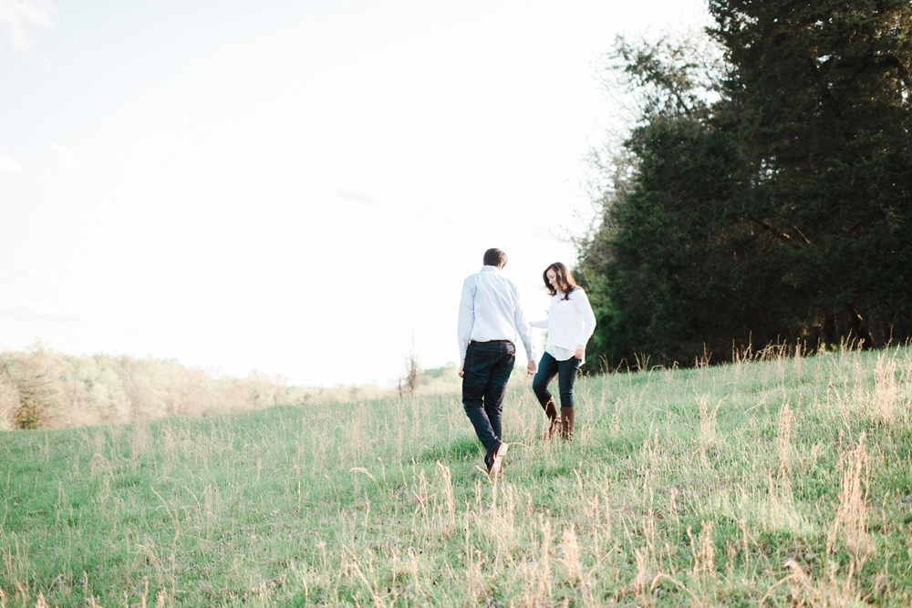 virginia_wedding_photographer_charlottesville_engagemnet_ashlawn_highland_0007.jpg