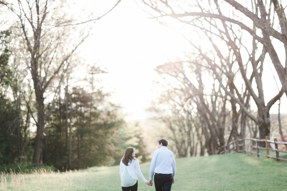 virginia_wedding_photographer_charlottesville_engagemnet_ashlawn_highland_0014.jpg