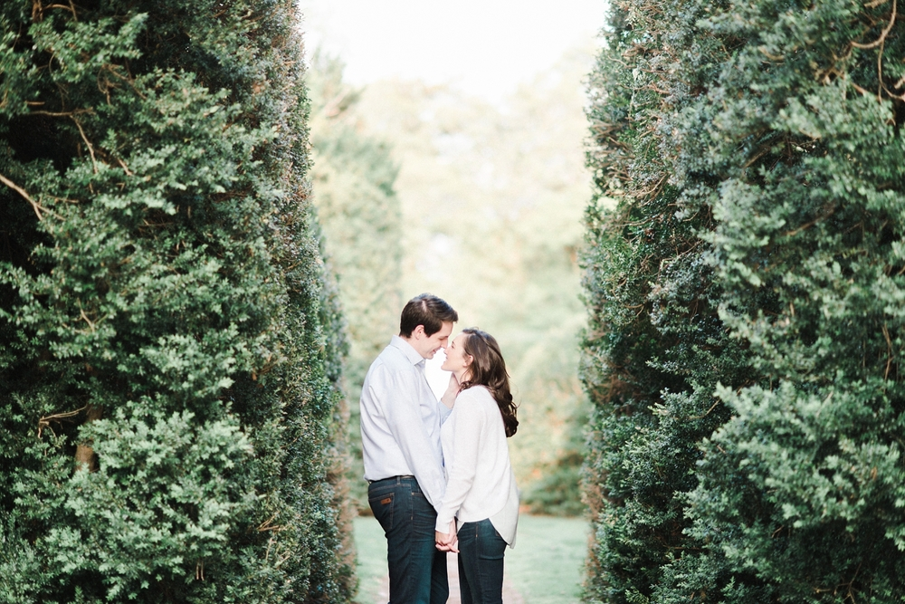 virginia_wedding_photographer_charlottesville_engagemnet_ashlawn_highland_0020.jpg