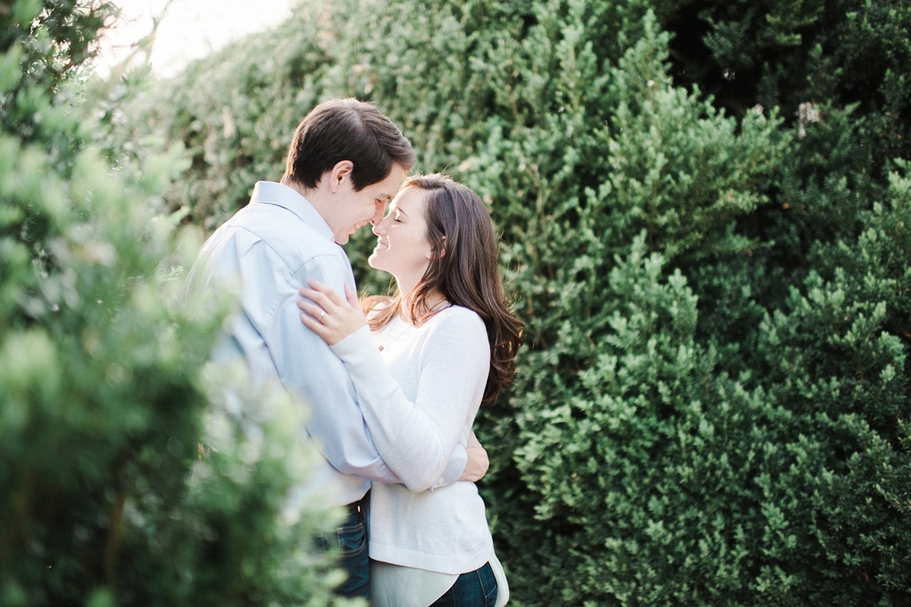 virginia_wedding_photographer_charlottesville_engagemnet_ashlawn_highland_0023.jpg