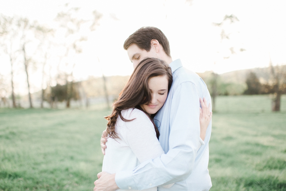 virginia_wedding_photographer_charlottesville_engagemnet_ashlawn_highland_0025.jpg