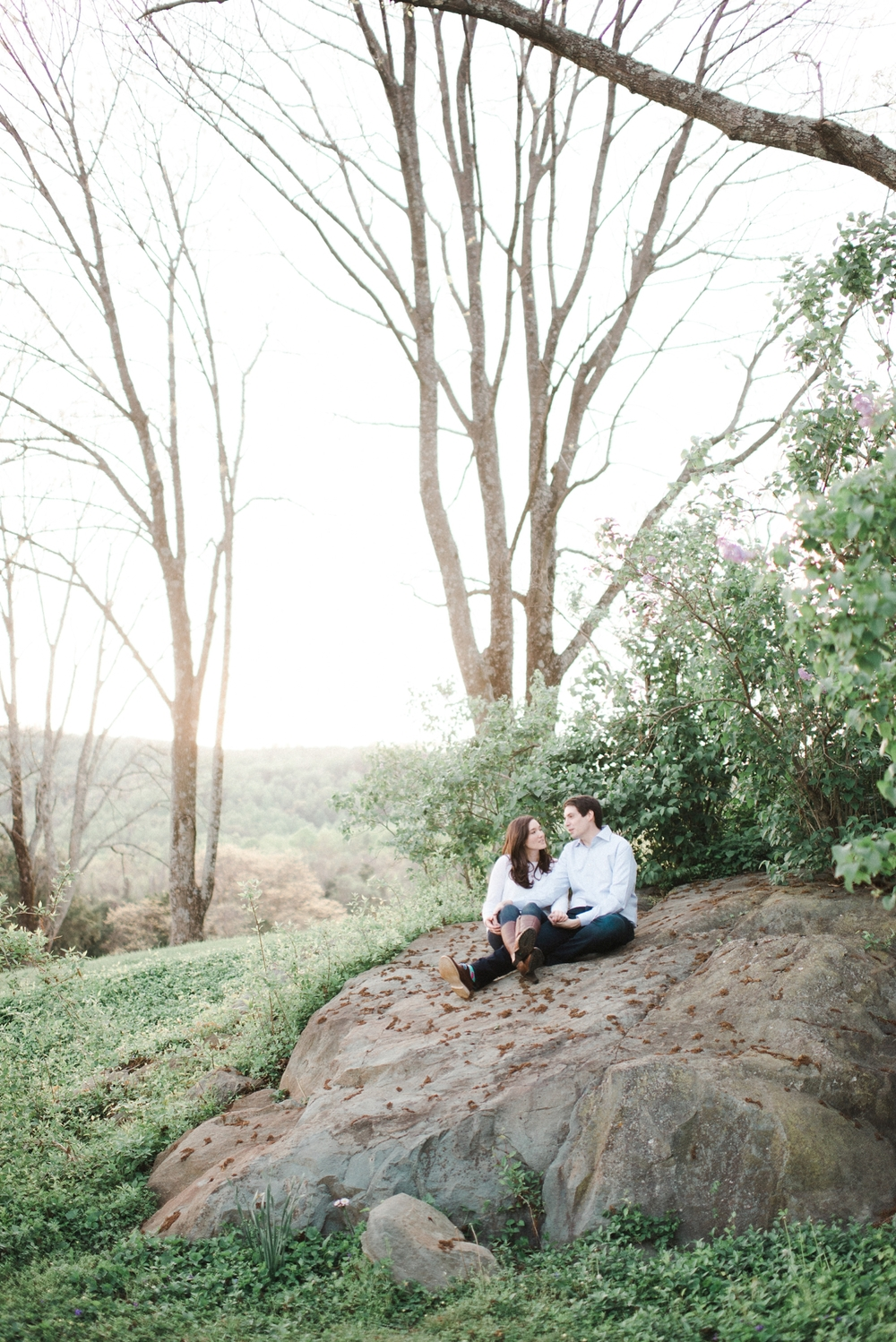 virginia_wedding_photographer_charlottesville_engagemnet_ashlawn_highland_0033.jpg