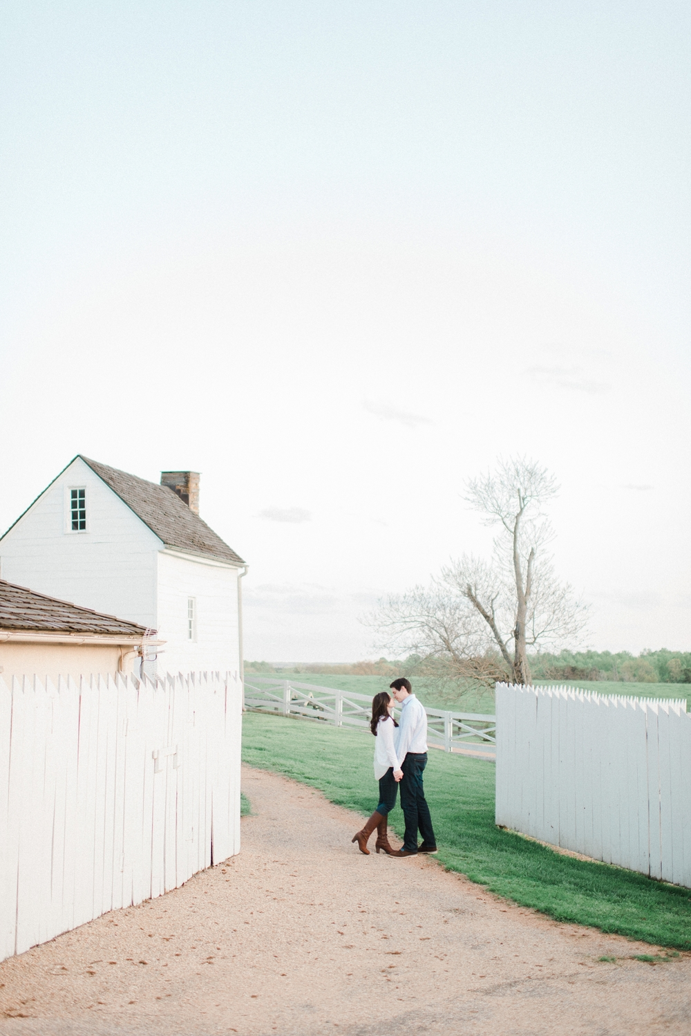 virginia_wedding_photographer_charlottesville_engagemnet_ashlawn_highland_0034.jpg