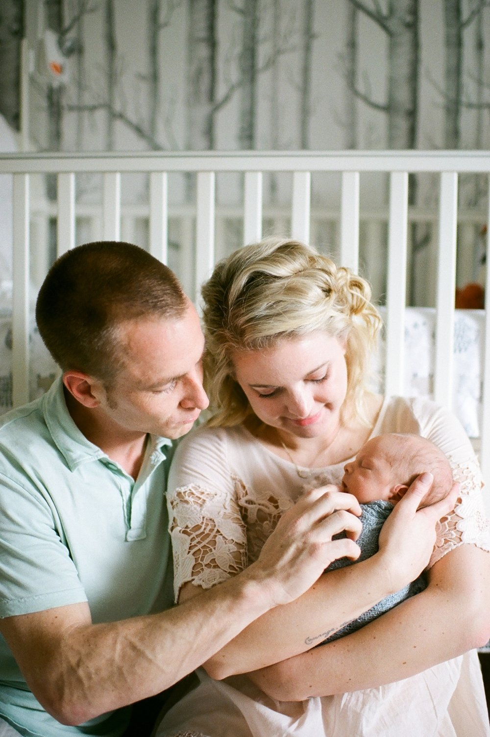 virginia_newborn_lifestyle_photography_fine_art_film_0014.jpg