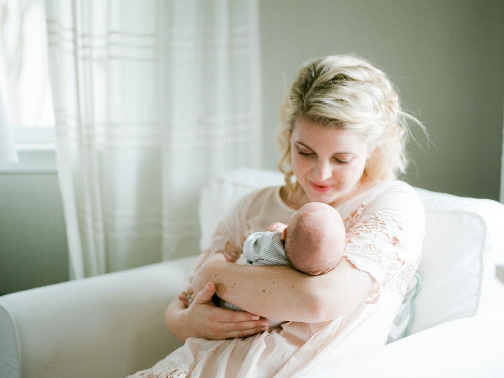 sibiga_newborn_lifestyle-7.jpg