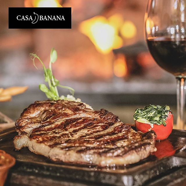 The plasure of quality |  #casabananatulum the #steackhouse of #tulum by excellence | #ribeye #angusbeef #bbq #dinner #tulumfood #yummy #foodie #lovemeat #firekitchen #grill #firelovers #tulumlife #tulumnights #criolecuisine #argentinianfood #redwuine #fire #junglerestaurante
