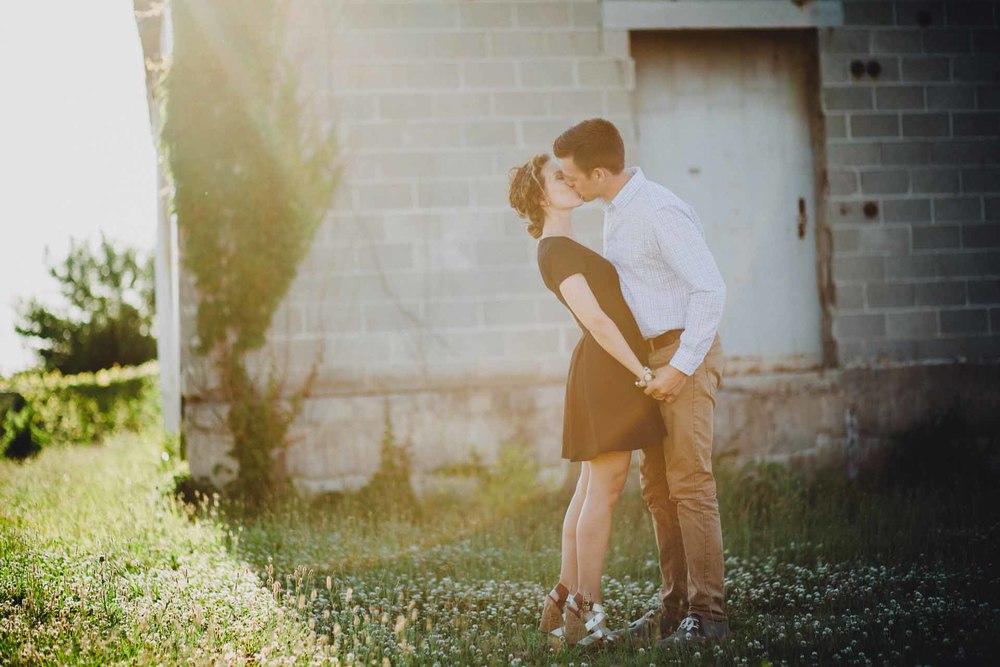 Emily-Dan-Dayton-Engagement-011@2x.jpg