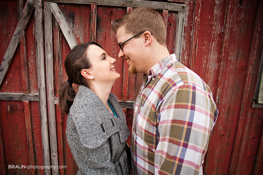 St. Louis Engagement Photographer :: Wide Angle Love
