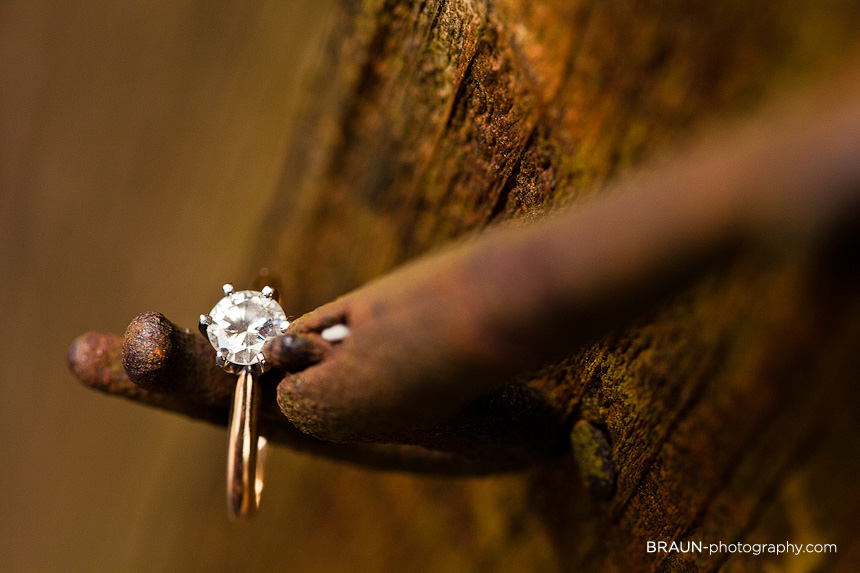 St. Louis Engagement Photographer :: Engagement Ring Macro Detail