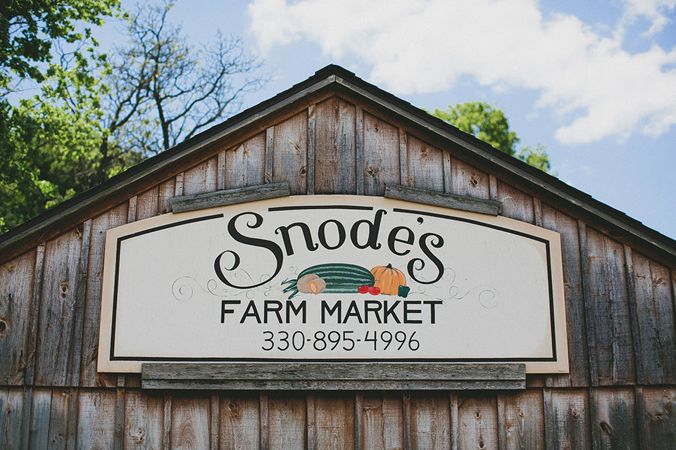 Snode's Restored Country Barn Wedding Ohio