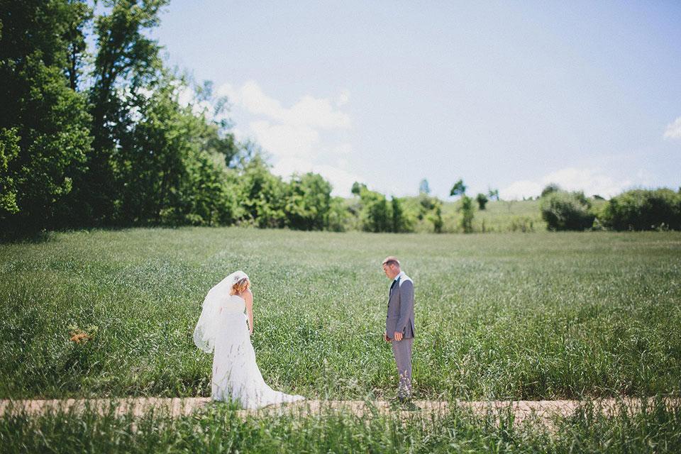 Abby + Matt // Snode's Country Barn Wedding // Canton ...