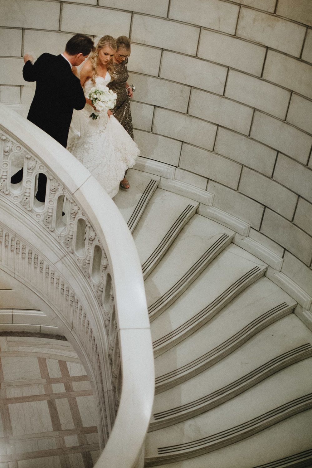 Alana-David-Cleveland-Old-Courthouse-Wedding-114@2x.jpg