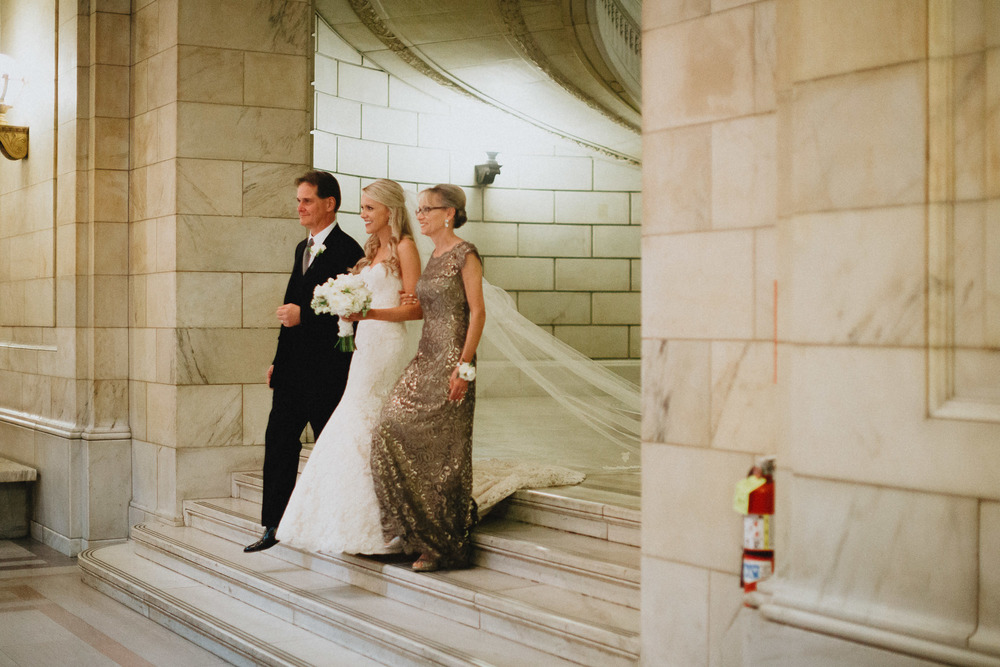 Alana-David-Cleveland-Old-Courthouse-Wedding-117@2x.jpg