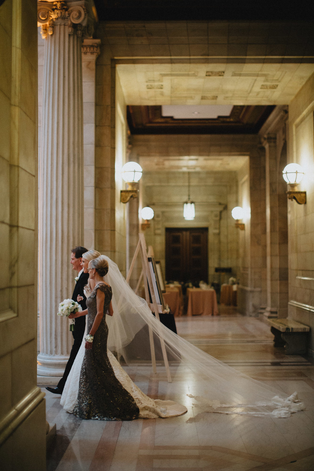 Alana-David-Cleveland-Old-Courthouse-Wedding-118@2x.jpg